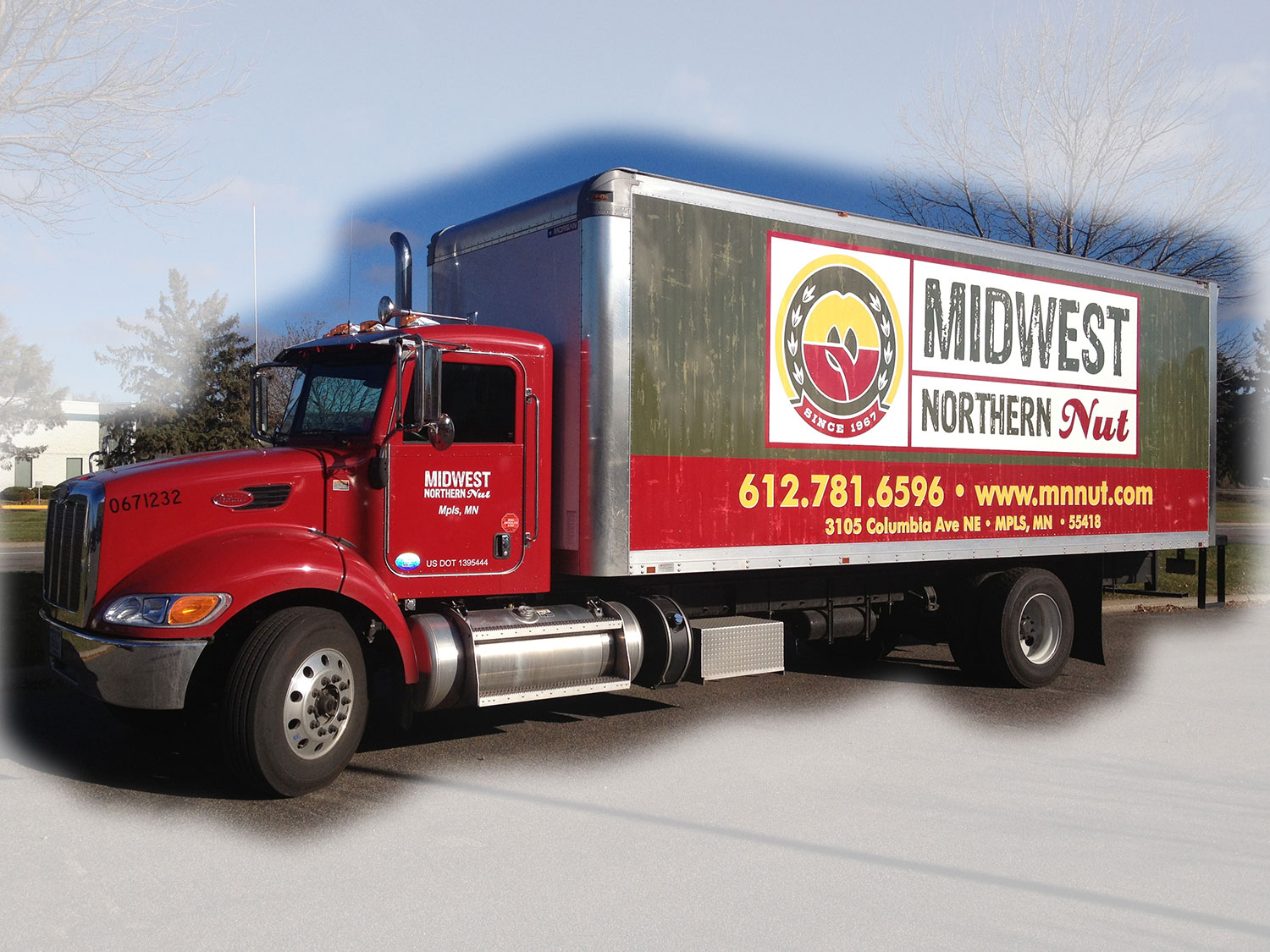 Midwest-Northern-Nut-Box-Truck